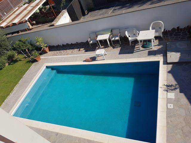 Axa Villa Unifamiliare 420 Mq Con Piscina